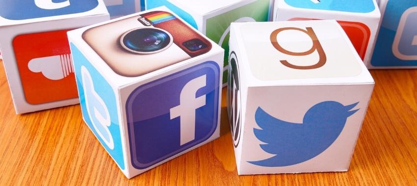 social-media-pharma-marketing-mix.jpg